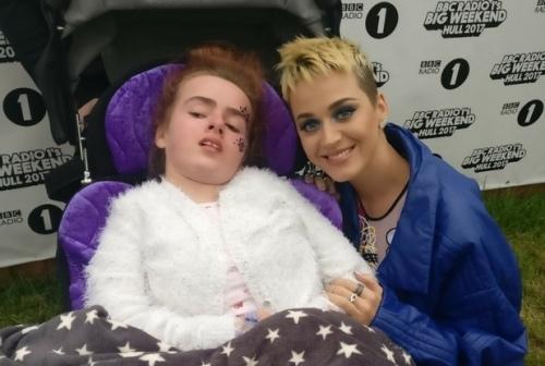 Katy Perry 让患罕见病的Josey梦想成真