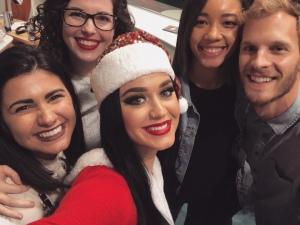 水果姐 Katy Perry 访问儿童医院为孩子送上圣诞祝福