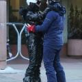 Katy Perry 和 Orlando Bloom 滑雪之后回酒店