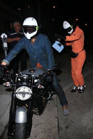 Katy Perry 和 Orlando Bloom 一起离开餐厅