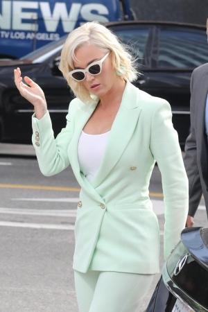 Katy Perry 被传呼到法庭 - 2019年7月18日街拍