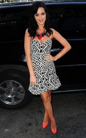 Katy Perry 经过布赖恩公园 - 2009年9月14日街拍