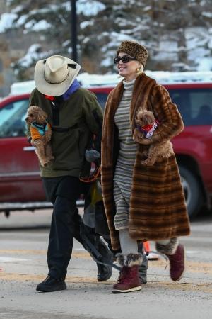 Katy Perry 和 Orlando Bloom 在阿斯潘外出滑雪 - 2020年1月2日街拍