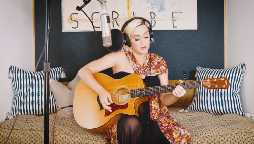 "Houseparty直播回放:吉他教学 + 演唱""Daisies"""