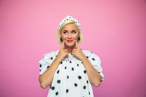 【洛杉矶时报专访】沮丧,伤心欲绝,然后自省: Katy Perry的重生