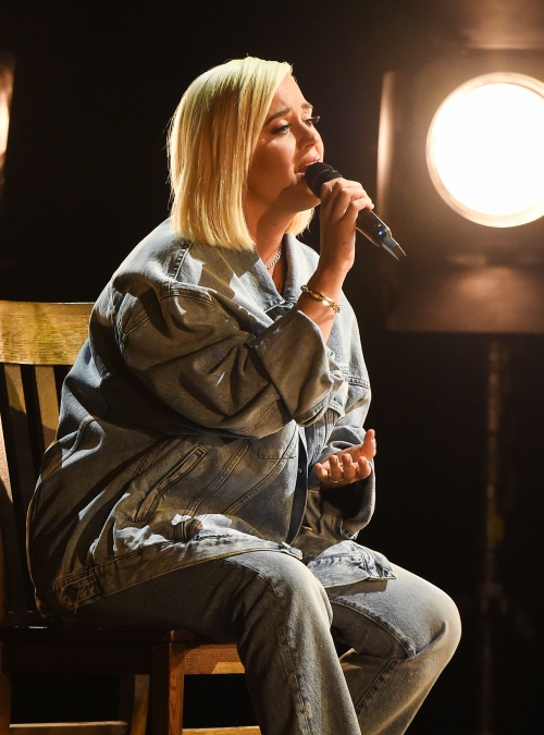 水果姐将参加免费线上演唱会支持疫情期间辛苦付出的医护人员
