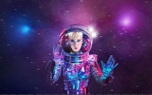 Katy Perry 宣布主持2017 VMA颁奖典礼