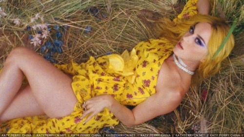 Katy Perry 献声 Calvin Harris最新单曲《Feels》