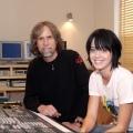 Katy Hudson和制作人Glen Ballard在录音室 写真