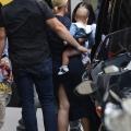 Katy Perry 和 Daisy Dove Bloom在圣日耳曼德佩教堂附近购物 - 2021年7月7日