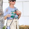 凯蒂佩芮破洞露脐装现身街头 - 2021年8月24日