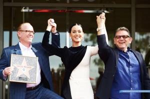 Katy Perry揭晓Capitol唱片75周年 星光大道之星