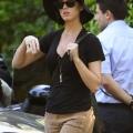 离开John Mayer的公寓 2012年8月3日街拍