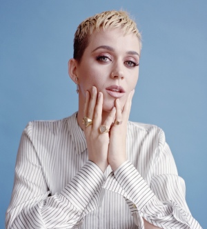 纽约时报采访:Katy Perry 睡醒了,她想告诉你这些事