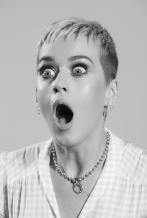 全靠表情回答!Katy Perry 的无文字采访