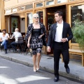 Katy Perry 去和妈妈Mary以及朋友在Coffee parisien共餐