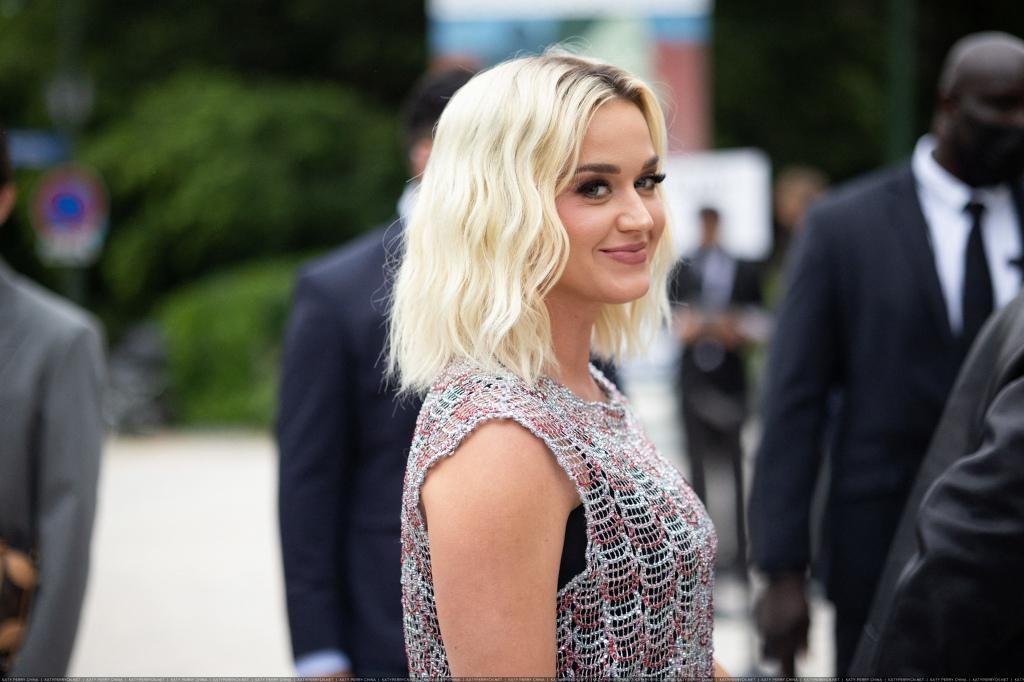 Louis Vuitton Parfum Hosts Dinner at Fondation Louis Vuitton - Outside